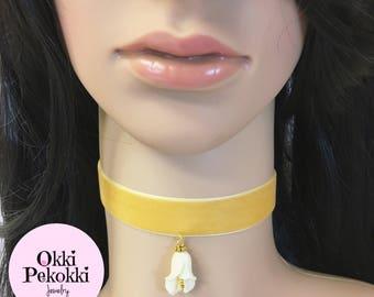 White Calla Lily Choker Necklace.