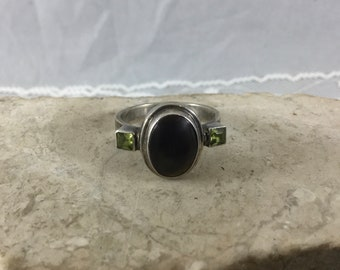 Vintage 925 Sterling Silver Ring Large Oval Smoky Quartz Stone Two Green Gemstones Sz 8