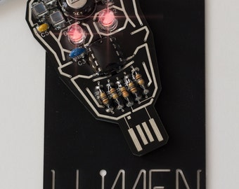 INTERMEDIATE KIT - Make your own Blinking SKULL Solar Powered Electronic Circuit Board Jewelry.  Item 6001-30