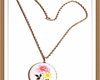 Handmade MWL rose and daisy necklace. 0273