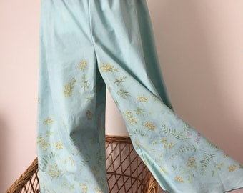 Bloomers,pants trousers,vintage fabric,pale blue,turquoise,festival fashion, recycled vintage flowery fabric (C64) one size / hips 44 inches