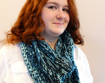 Tri-color infinity scarf