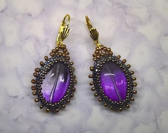 Earrings, Beaded earrings. Glass violet earrings.