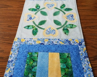 Circle of Hearts and Flowers Table Runner
