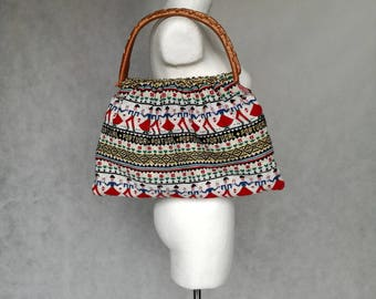 Vintage Bamboo Handle Bag, Woven Graphic Bag, Hippie Fashionista Bag, Wood Handles, 80s Tapestry Bag, Large Boho Bag, Portugal Bag