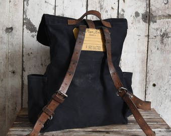 Waxed Canvas Backpack Rogue in Coal, Rucksack, Waxed Canvas Bag, Bicycle Bag, Diaper Bag, Travel Bag, Leather Straps,Wife Gift for Her Black