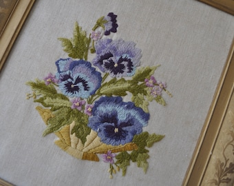 Crewel Embroidery Picture/Vintage 1970s/Stylized Florals/Pastel to Brights Palette/Traditional Crewel Work Wall Hanging