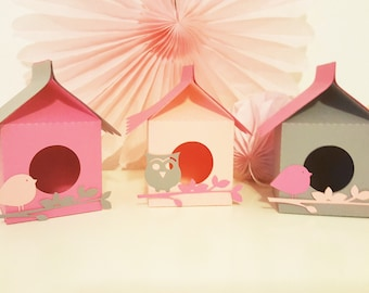 "Cabin birdhouse with birds-christening - ""bird theme"" for festive paper 210 gr - table"