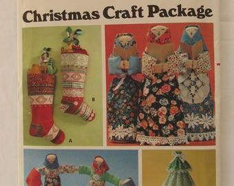 Christmas Craft Package Butterick Pattern #5709 - Tree, Stocking, Peasant Women/Doll