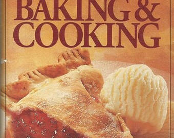 """Vintage Pillsurty """"Harvst Time Baking and Cooking""""  Cookbook"""