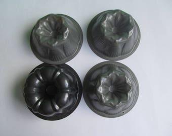 Miniature Bundt cake Pans - lot of 4  Pans -  Nonstick Baking Pans