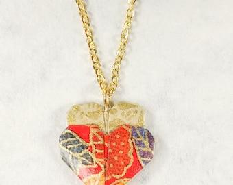Collier rouge | Pendentif en coeur | Bijou en origami | Pendentif multicolore |  Origami par Ökibo