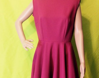 SALE: 1970s/80s Magenta Sleeveless Circle Dress, M