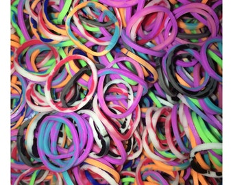 Mixed Tie-Dye ** Rainbow Loom Bands Refill. 600 bands & 24 C-Clips. Guaranteed authentic. Latex-free.