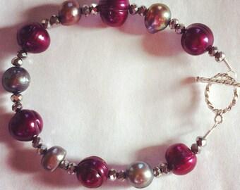 "Stylish 7"" Purple and Gray Freshwater Pearl Bracelet"