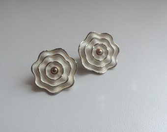Vintage White Enamel Flower Earrings
