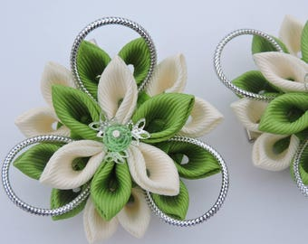 Kanzashi Fabric Flowers. Set of 2 hair clips. Green and beige kanzashi. Japanese hair clip.