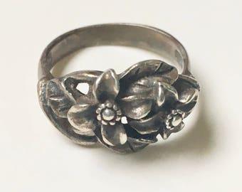 vintage sterling flower ring, size 5