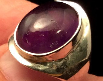 Size 7.5 Sterling Silver Ring. Amethyst. free US ship 34.00