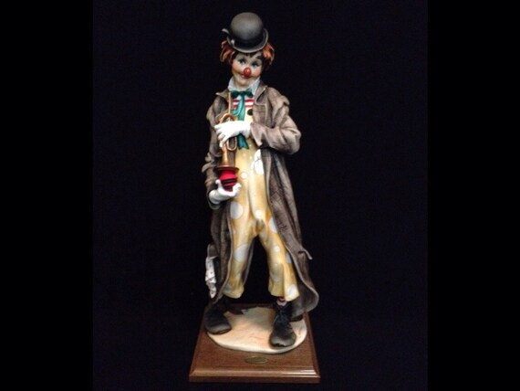 "FREE SHIPPING-Fabulous-Made In Italy-Giuseppe Armani-401-E-Musical Clown-18 1/4"" Tall-Sculpture"