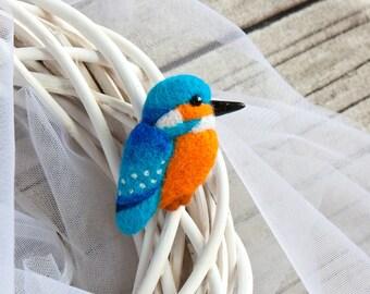 Blue bird brooch Kingfisher Halcyon Hand felted brooch Blue jewelry Felt bird Blue brooch Woodland jewelry Animal brooch valentine gift