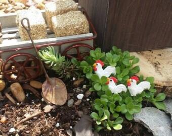 Fairy garden farm chickens, miniature chicken, fairy friends, Fairy Farm, dollhouse Farm, miniature animals, miniature hens