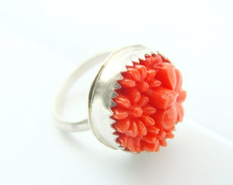 Coral silver ring with Japanese Vinyl coral vintage bead - Sterling silver ring coral bead - Naturalist gift for her
