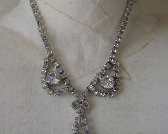 Silver and Glitter - necklace