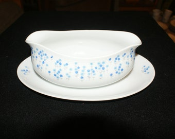Sheffield  Rhapsody Gravy boat with attached underplate