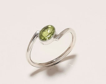 925 sterling silver - natural oval green peridot cut ring - Handmade jewelry - promise ring-August Birthstone ring-size us 9.5
