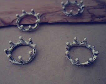 20pcs of  Antique silver crown pendant Charms 6mmx17mm