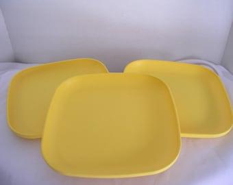 "Tupperware 8"" Square Luncheon / Snack Bright Yellow Color Plates"