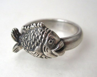 Sterling Silver Ring Size 5, Fish ring, hand carved fish ring