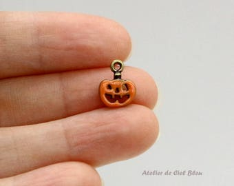 Tiny Pumpkin Charm, Cute Pumpkin Charm, Halloween Charm, Jack O'Lantern Charm, Pumpkin Jewelry, Halloween Jewelry