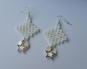 Tapestry pearly, white earrings