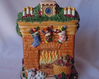 COOKIE JAR ~  Christmas Fireplace, Stockings, Mantel, Fire, Cat