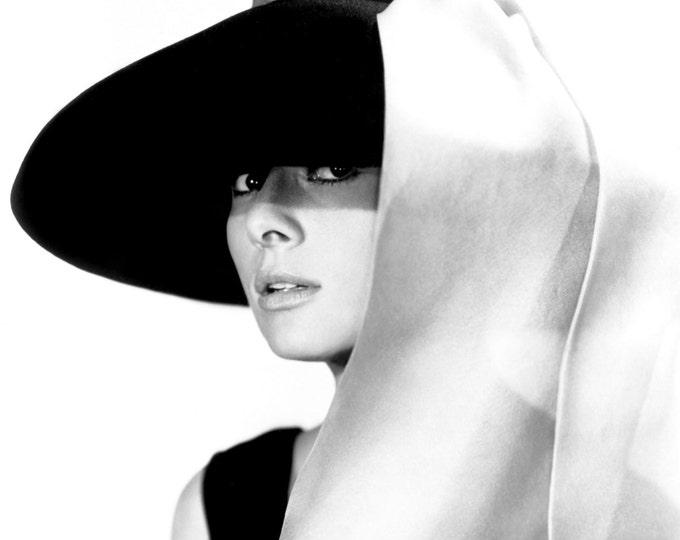 "Audrey Hepburn in Film ""Breakfast at Tiffany's"" - 5X7, 8X10 or 11X14 Publicity Photo (NN-217)"