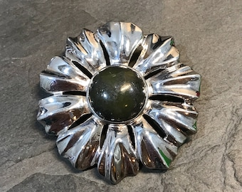 Vintage Sterling Silver Ireland Green Connemara Marble Pin Brooch Flower, solid 925 silver pendant, stamped 925 Ireland