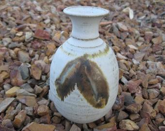 Stoneware Pottery Bud Vase with a Feather Motif, Petite Vase, Stoneware Bud Vase, Native American Vase, Fall Vase Decor, Winter Vase Decor