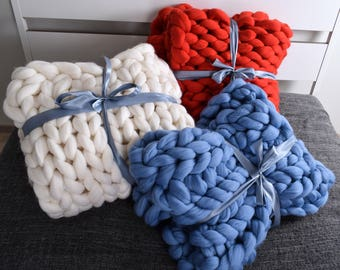 Chunky Knit Blanket, Blanket, Super Chunky Blanket, Giant knit blanket, Thick yarn blanket Bulky Knit Merino wool Arm knitting Valentine
