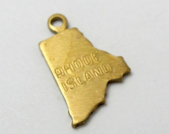 Engraved - Tiny Raw Brass Rhode Island State Charms (6X) (A438-A)