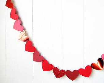 Valentines Red Heart Garland / Wedding Decoration / Love Bunting / Anniversary Decor / Photo Prop / Adjustable Hand Sewn