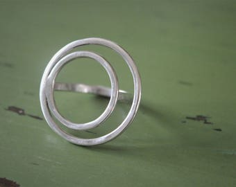 Two circles silver ring