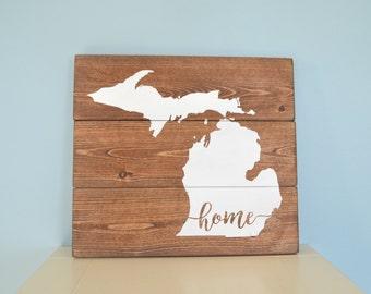 Rustic Michigan Sign // Wooden Mitten Pallet-Style Sign // Michigan Home Sign // Michigan Decor // Michigan Gift