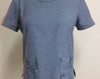 Short Sleeve Pullover Top With Hand Painted Details On Pockets and Neckline