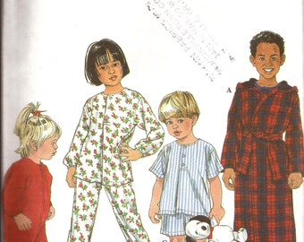 Toddler and Child Sleepwear Pajamas Robe Sleeper Sewing Pattern / Simplicity 8493 / Size 3 - 4 - 5 - 6 / UNCUT