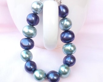 Bracelet oval freshwater cultured pearls, light blue gray purple indigo