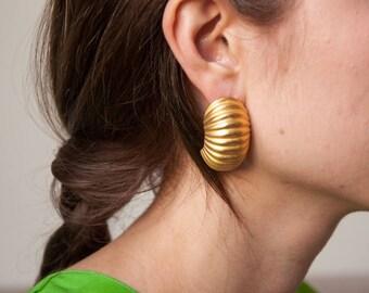 half circle sculptural earrings / geometric earrings / 1045a