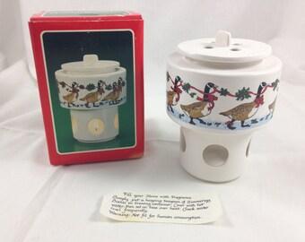 SALE vintage holiday potpourri warmer with original box - goose print