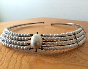 Vintage white pearl choker/ 1950s elegant faux pearl wire necklace